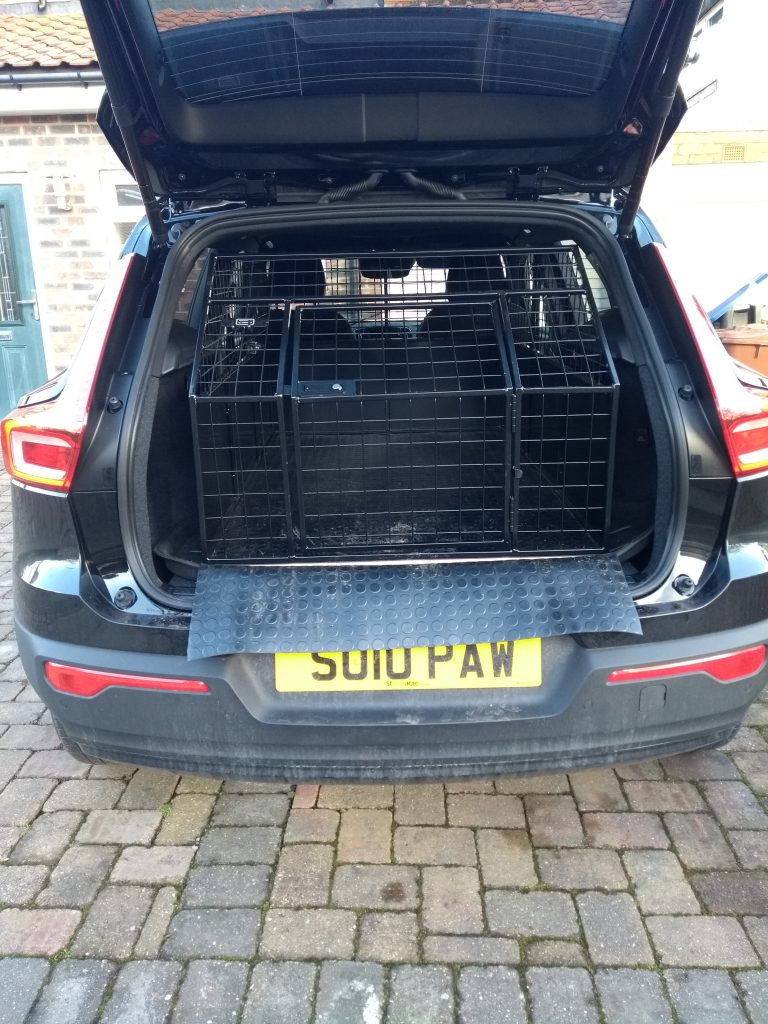 Paws Indors dog transport cage